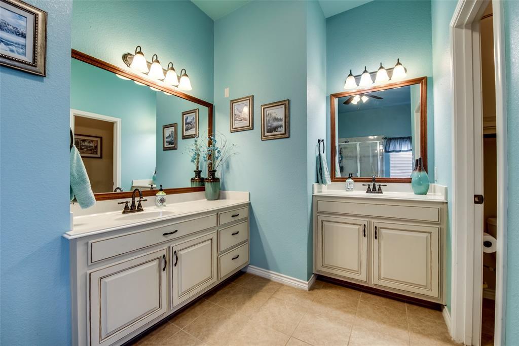 5709 Eagle Mountain  Drive, Denton, Texas 76226 - acquisto real estate best new home sales realtor linda miller executor real estate