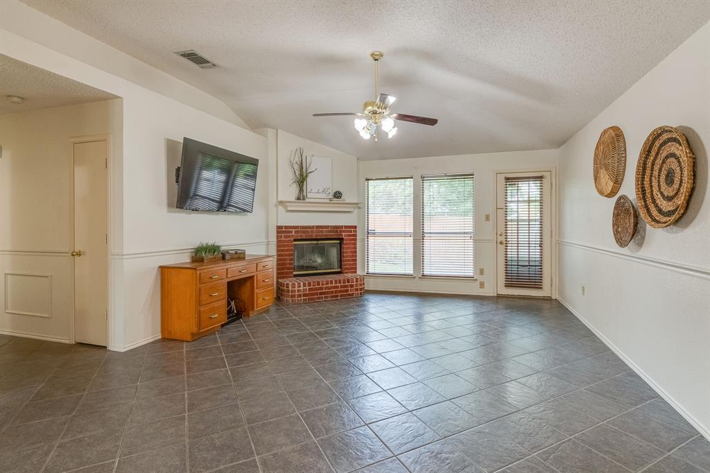 415 Sea Rim  Drive, Arlington, Texas 76018 - acquisto real estate best luxury buyers agent in texas shana acquisto inheritance realtor