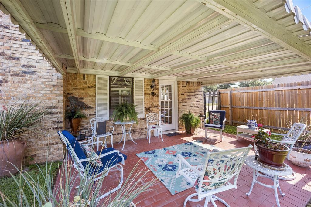 2002 Benjamin  Road, Irving, Texas 75060 - acquisto real estate best frisco real estate agent amy gasperini panther creek realtor