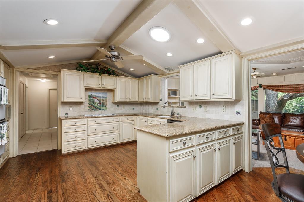 6556 Meadowcreek  Drive, Dallas, Texas 75254 - acquisto real estate best new home sales realtor linda miller executor real estate