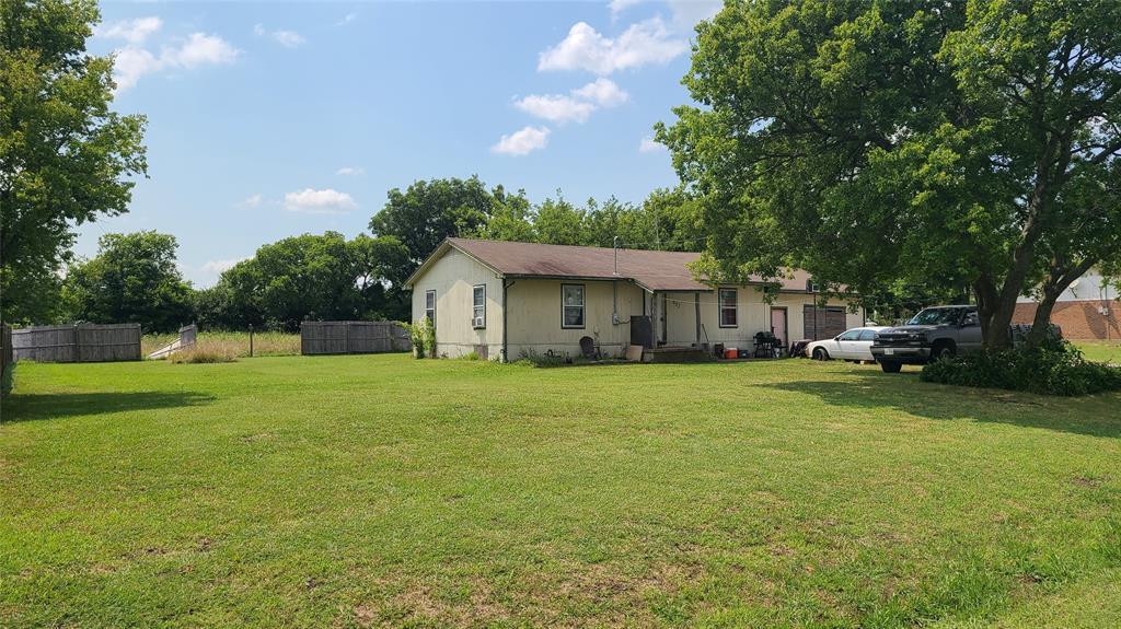 602 Fm 272  Celeste, Texas 75423 - Acquisto Real Estate best plano realtor mike Shepherd home owners association expert