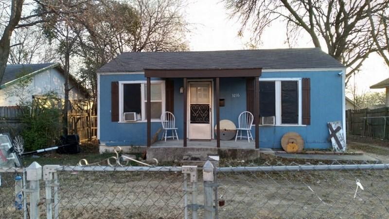 3216 Houston  Street, Fort Worth, Texas 76106 - Acquisto Real Estate best frisco realtor Amy Gasperini 1031 exchange expert