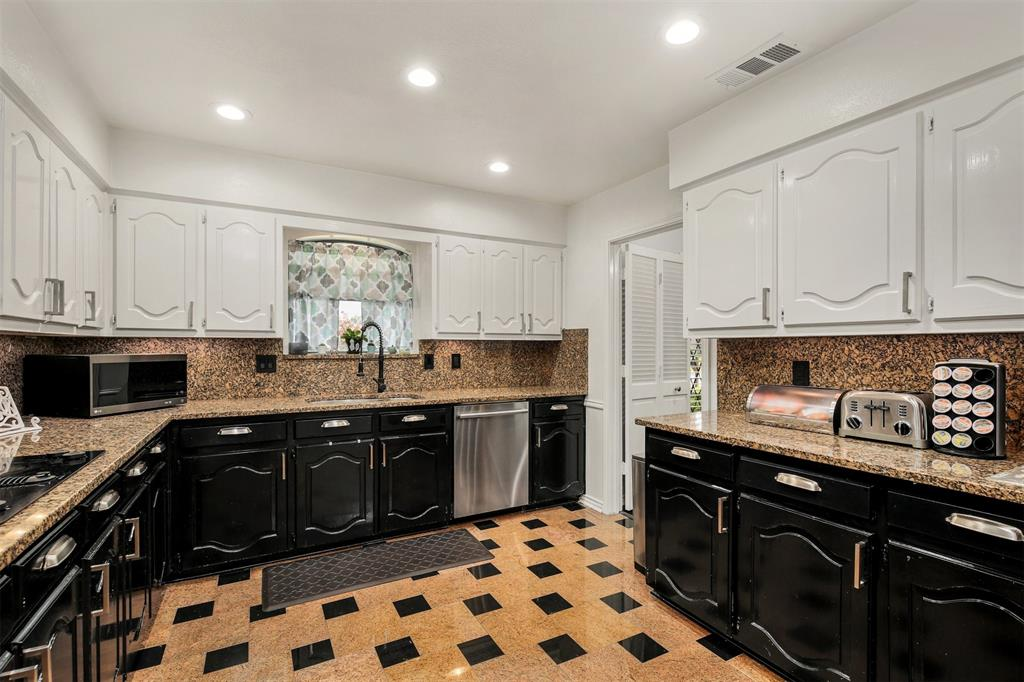 6530 La Manga  Drive, Dallas, Texas 75248 - acquisto real estate best listing listing agent in texas shana acquisto rich person realtor