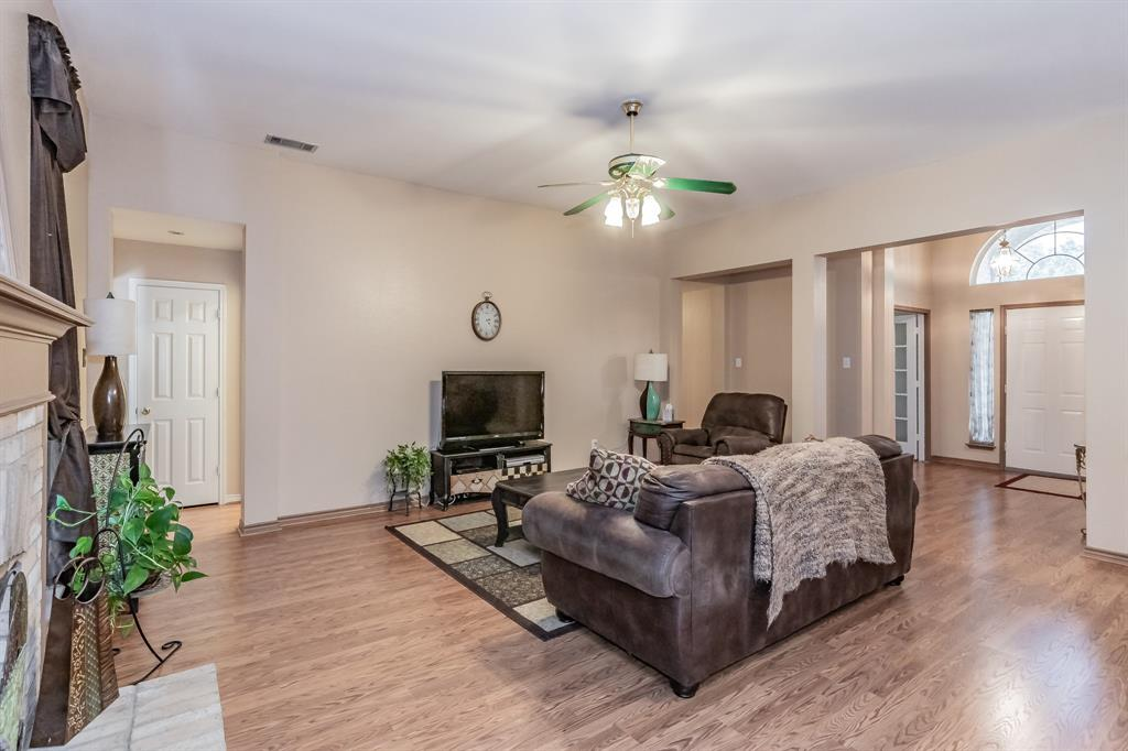 201 Jaime Jack  Drive, Grand Prairie, Texas 75052 - acquisto real estate best real estate company in frisco texas real estate showings