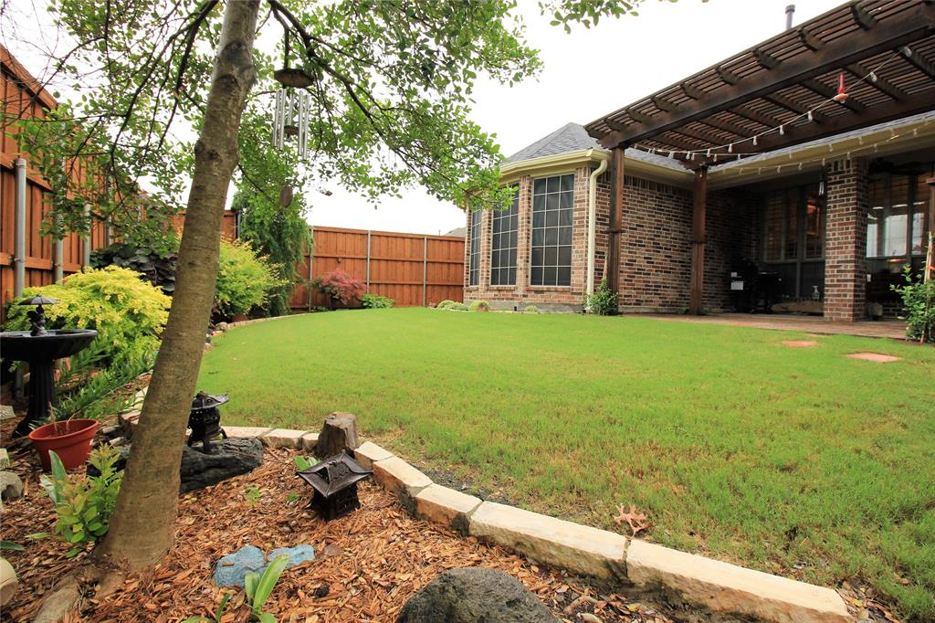 7109 New Bury  Court, Rowlett, Texas 75089 - acquisto real estate best looking realtor in america shana acquisto