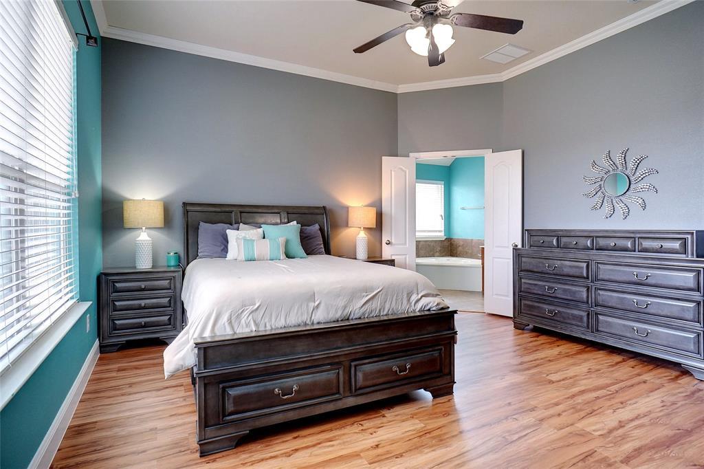 4013 Bonita  Avenue, Denton, Texas 76210 - acquisto real estate best photos for luxury listings amy gasperini quick sale real estate