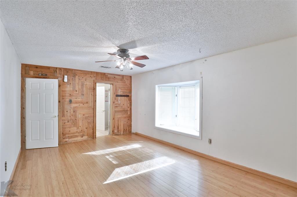 1600 Kiowa  Drive, Big Spring, Texas 79720 - acquisto real estate best realtor dfw jody daley liberty high school realtor