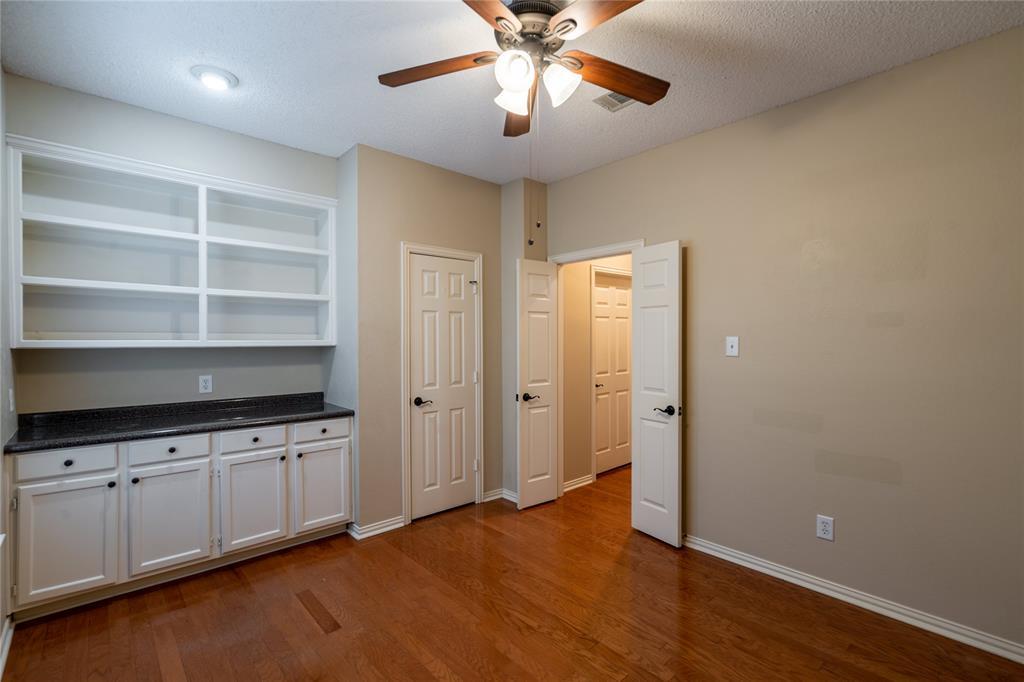 2647 Garden Ridge  Lane, Arlington, Texas 76006 - acquisto real estate best realtor foreclosure real estate mike shepeherd walnut grove realtor