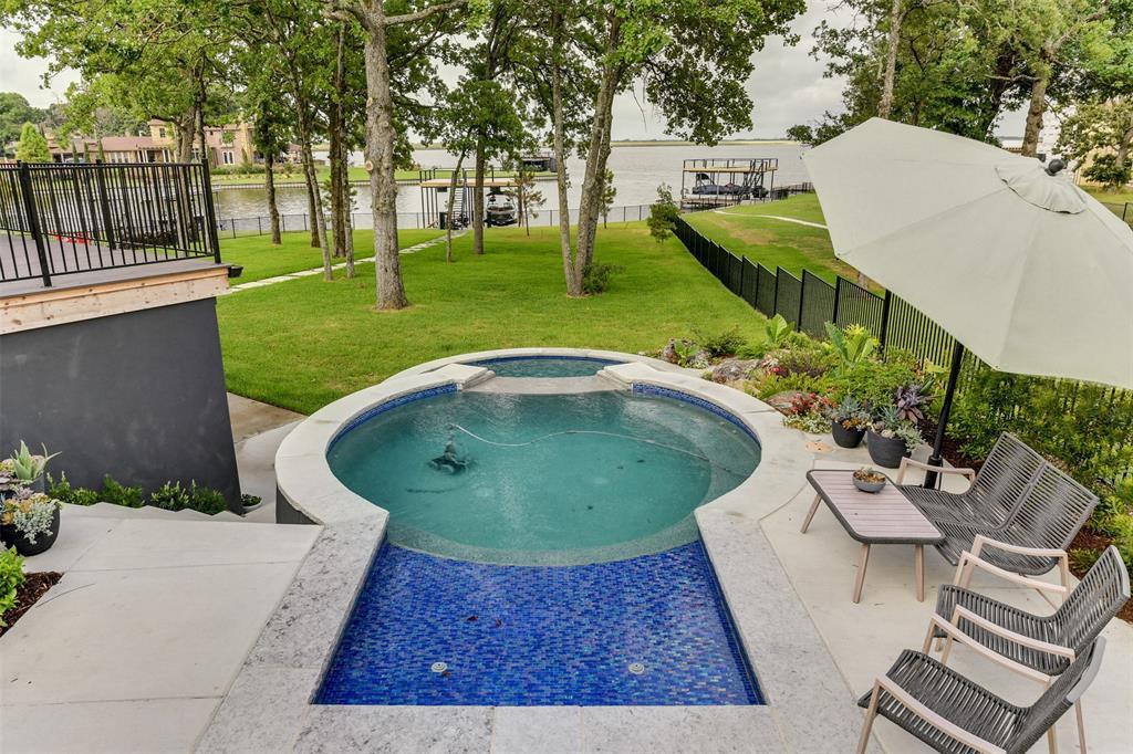 9 Westview  Drive, Star Harbor, Texas 75148 - Acquisto Real Estate best frisco realtor Amy Gasperini 1031 exchange expert