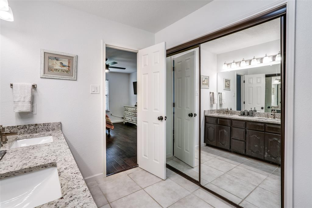 1503 Laguna Vista  Way, Grapevine, Texas 76051 - acquisto real estate best realtor foreclosure real estate mike shepeherd walnut grove realtor