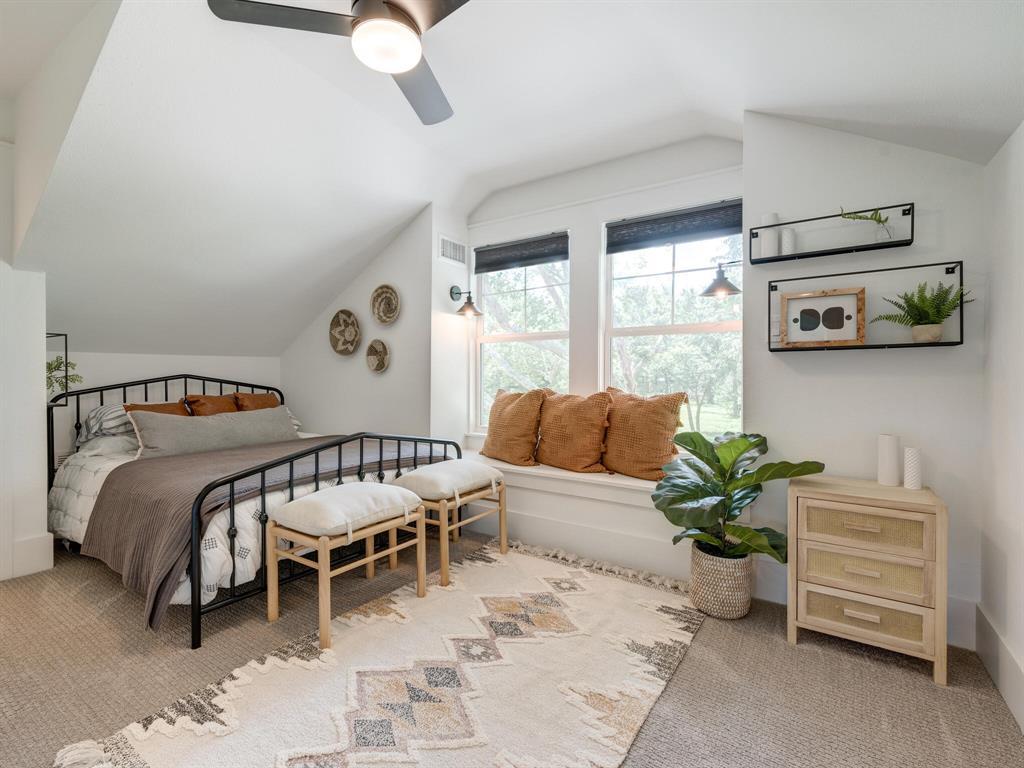 901 Debbie  Lane, Pilot Point, Texas 76258 - acquisto real estate best negotiating realtor linda miller declutter realtor