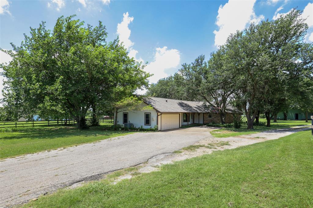 8155 Sam Bass  Road, Sanger, Texas 76266 - Acquisto Real Estate best frisco realtor Amy Gasperini 1031 exchange expert