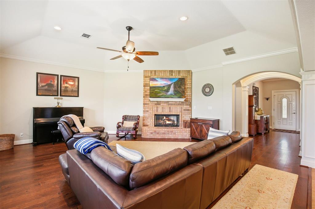 1926 Milam  Road, Sanger, Texas 76266 - acquisto real estate best the colony realtor linda miller the bridges real estate