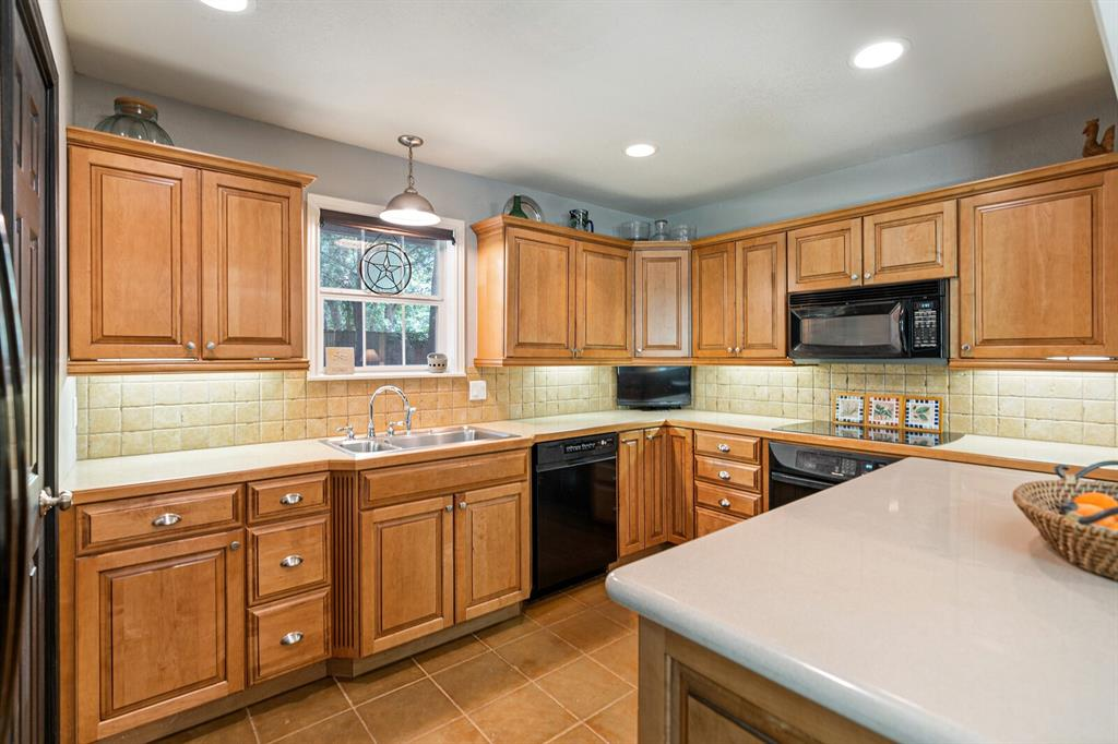 4 Sandy  Lane, Teague, Texas 75860 - acquisto real estate best real estate company to work for