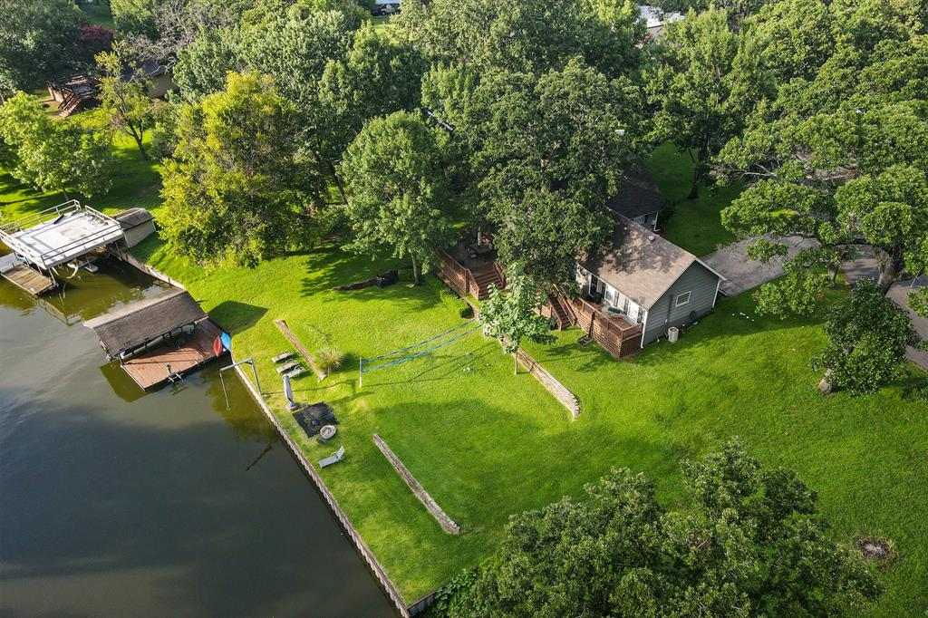 120 Wood Crest  Drive, Tool, Texas 75143 - Acquisto Real Estate best frisco realtor Amy Gasperini 1031 exchange expert