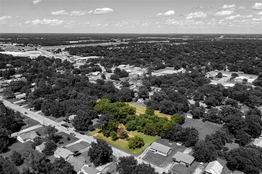 1912 Franklin  Avenue, Bonham, Texas 75418 - Acquisto Real Estate best frisco realtor Amy Gasperini 1031 exchange expert