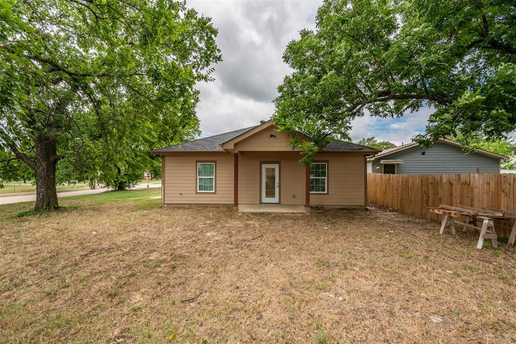 1745 Dillard  Street, Fort Worth, Texas 76105 - acquisto real estaet best boutique real estate firm in texas for high net worth sellers