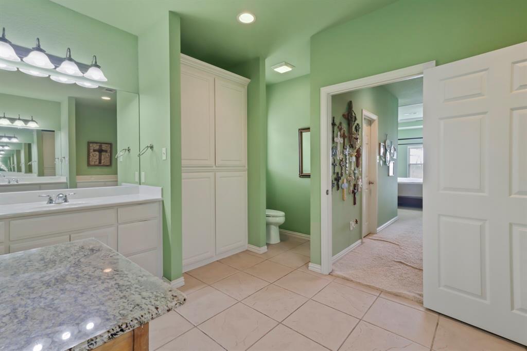 4760 Bonnie Brae  Street, Denton, Texas 76207 - acquisto real estate best negotiating realtor linda miller declutter realtor