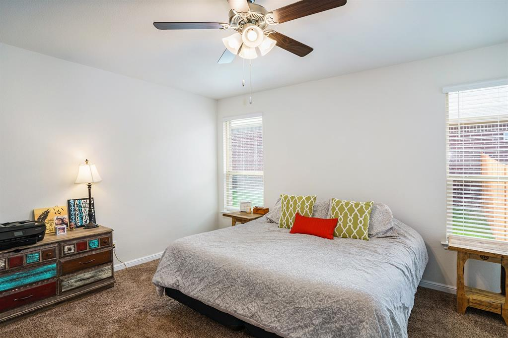 1215 Burlingame  Drive, Cleburne, Texas 76033 - acquisto real estate best listing agent in the nation shana acquisto estate realtor