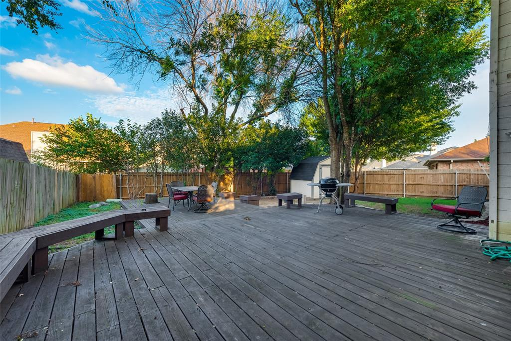 6319 Pierce Arrow  Drive, Arlington, Texas 76001 - acquisto real estate best frisco real estate agent amy gasperini panther creek realtor