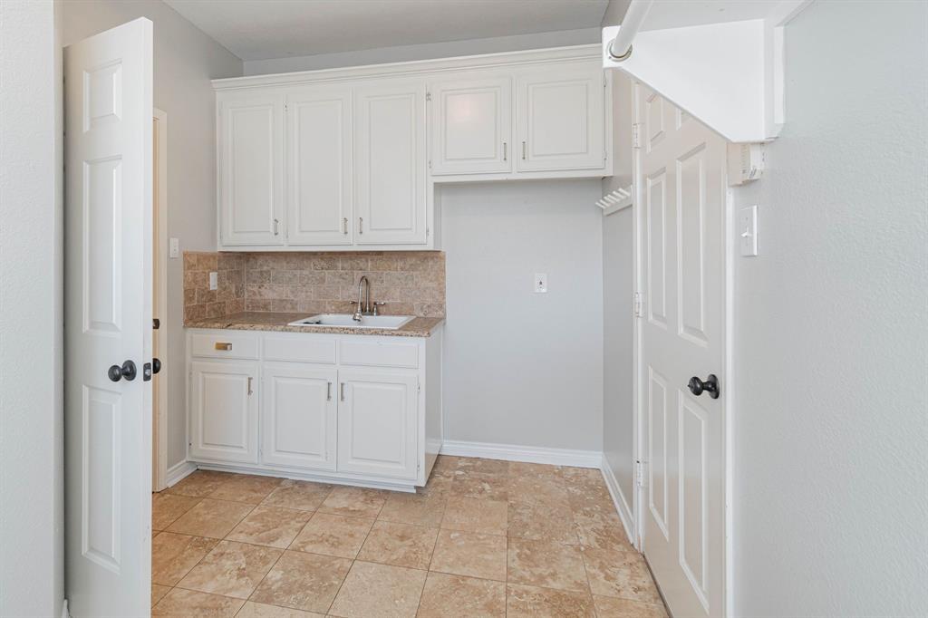 209 Manor  Place, Southlake, Texas 76092 - acquisto real estate best realtor dfw jody daley liberty high school realtor