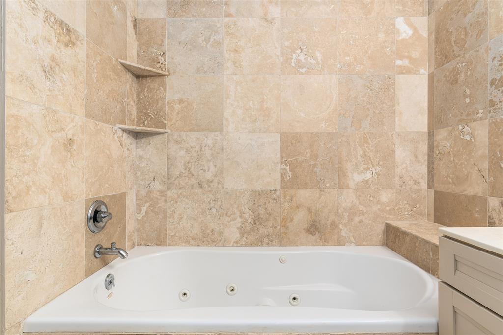 8600 Coppertowne  Lane, Dallas, Texas 75243 - acquisto real estate best new home sales realtor linda miller executor real estate