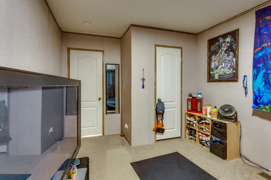 815 Whippoorwill  Drive, Granbury, Texas 76049 - acquisto real estate best photo company frisco 3d listings