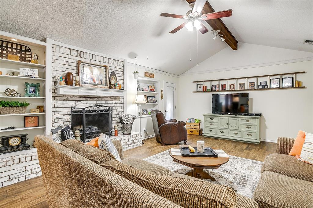 1010 Yvonne  Drive, Joshua, Texas 76058 - acquisto real estate best new home sales realtor linda miller executor real estate
