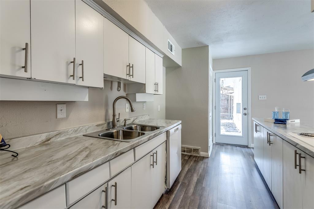 3036 Silverton  Drive, Dallas, Texas 75229 - acquisto real estate best investor home specialist mike shepherd relocation expert