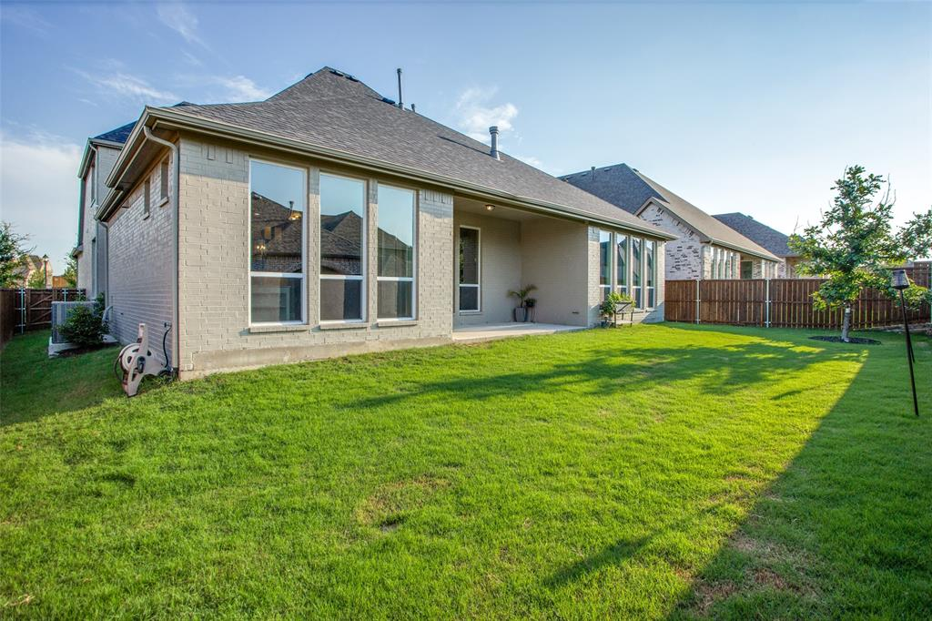 1920 Foxglen  Drive, Prosper, Texas 75078 - acquisto real estate mvp award real estate logan lawrence