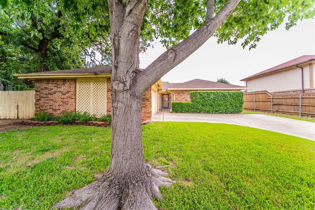 2402 Greenridge  Court, Euless, Texas 76039 - Acquisto Real Estate best frisco realtor Amy Gasperini 1031 exchange expert