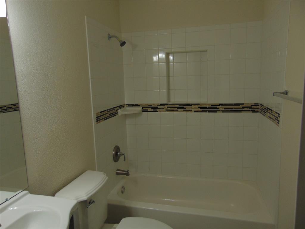 718 19th  Street, Grand Prairie, Texas 75050 - acquisto real estate best designer and realtor hannah ewing kind realtor