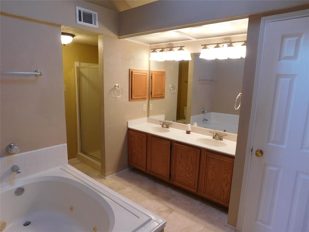 604 Blue Leaf  Drive, Flower Mound, Texas 75028 - acquisto real estate best designer and realtor hannah ewing kind realtor