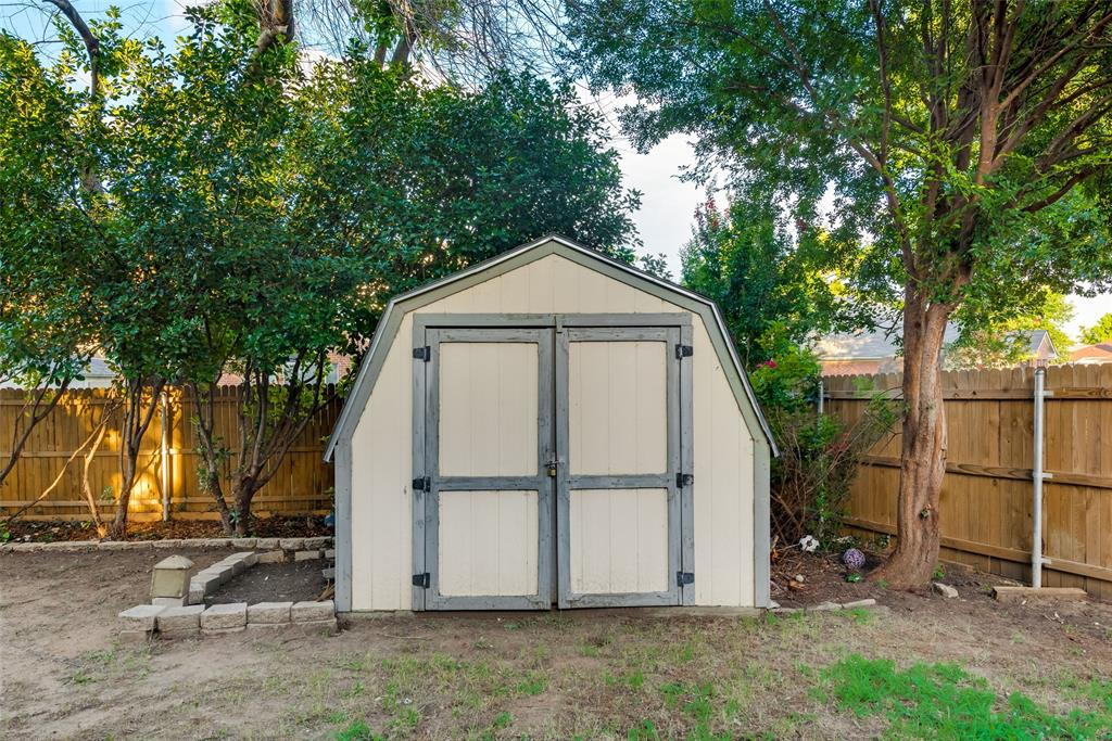 6319 Pierce Arrow  Drive, Arlington, Texas 76001 - acquisto real estate best photo company frisco 3d listings