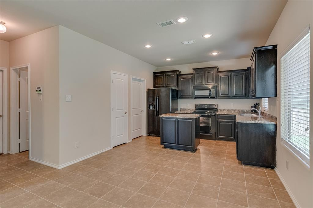 7105 Canisius  Court, Fort Worth, Texas 76120 - acquisto real estate best real estate company to work for