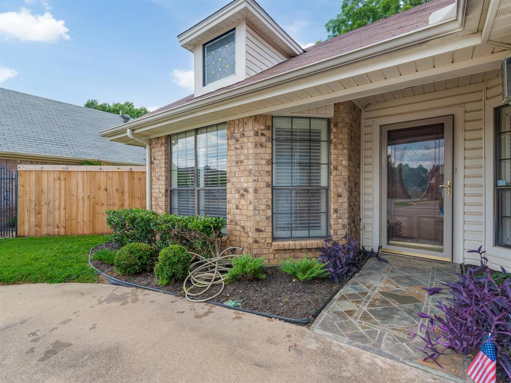 1409 Autumn Chase  Square, Bedford, Texas 76022 - acquisto real estate best the colony realtor linda miller the bridges real estate