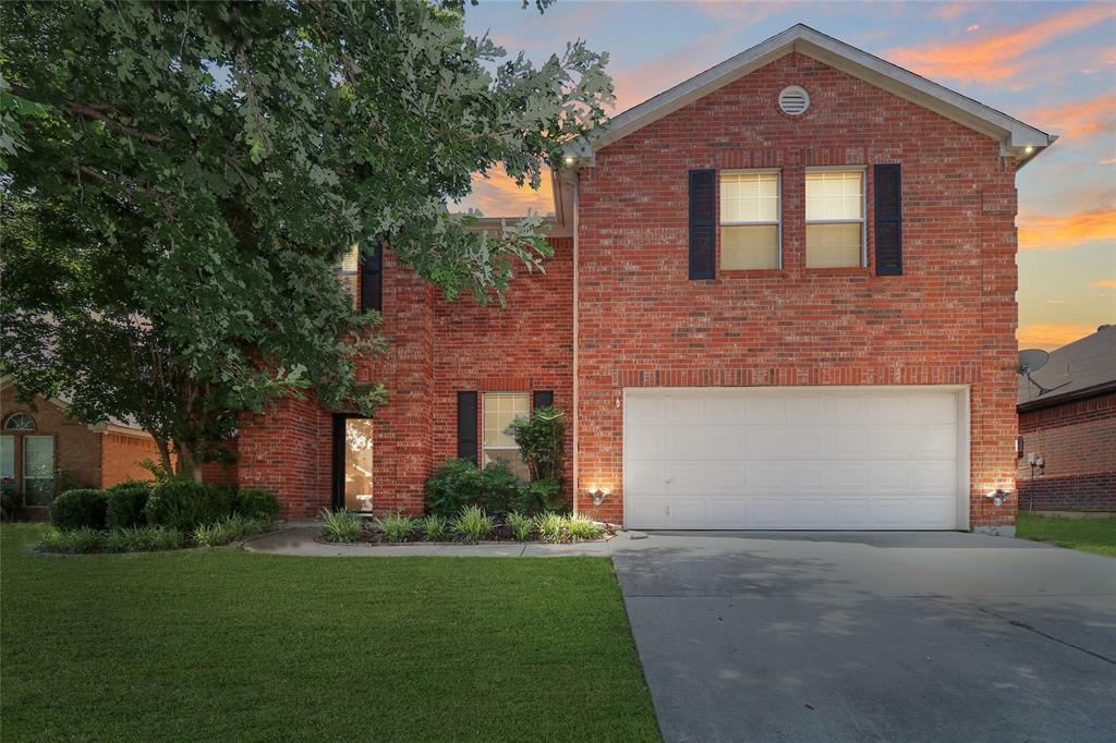 2208 Eden Green  Drive, Arlington, Texas 76001 - Acquisto Real Estate best plano realtor mike Shepherd home owners association expert