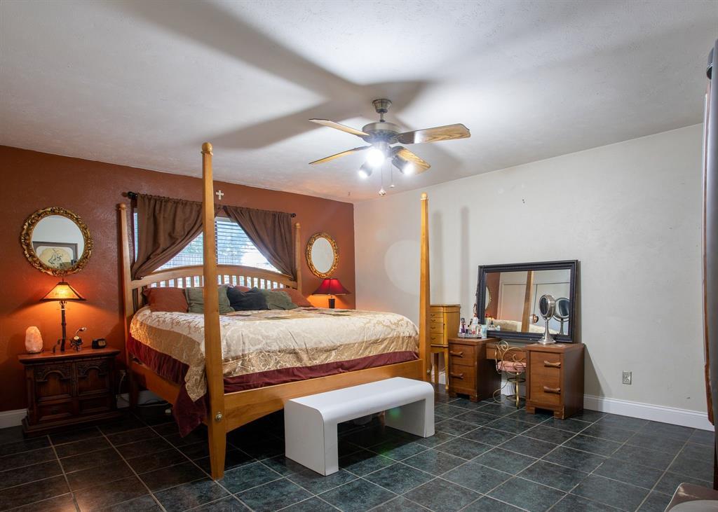 3309 Edgecliff  Drive, Garland, Texas 75043 - acquisto real estate best celina realtor logan lawrence best dressed realtor
