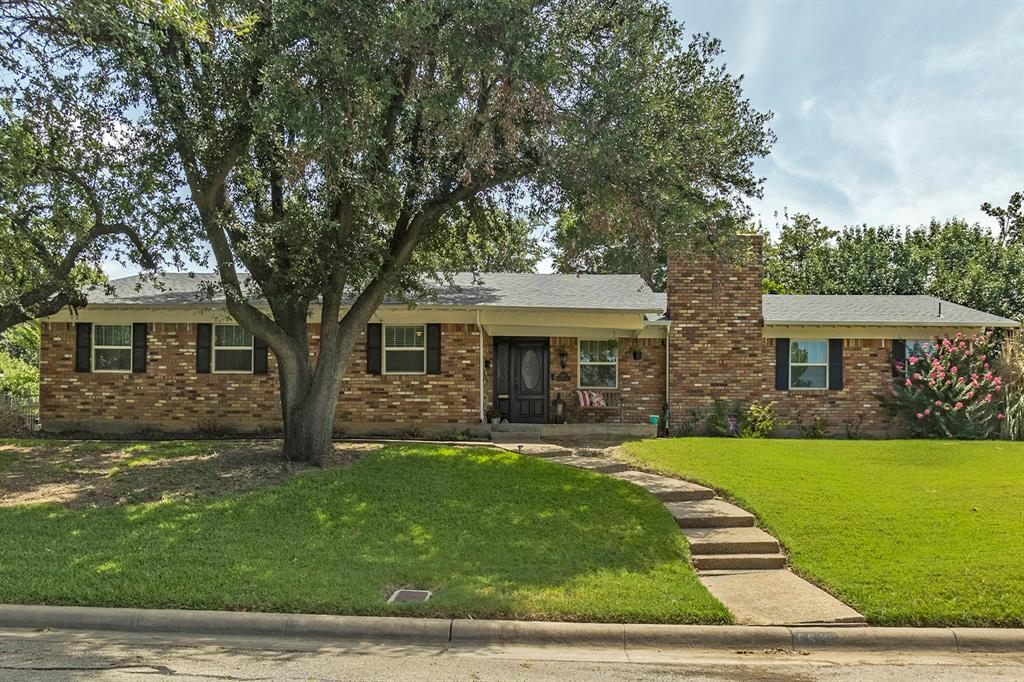 6519 Sabrosa  Court, Fort Worth, Texas 76133 - Acquisto Real Estate best frisco realtor Amy Gasperini 1031 exchange expert