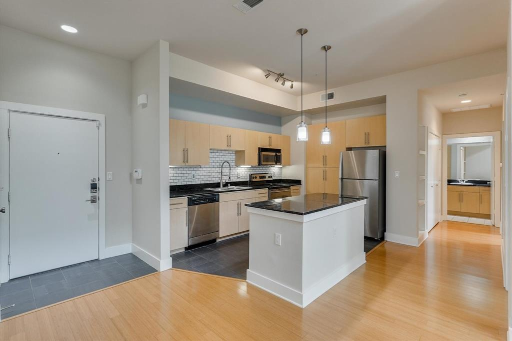 4605 Cedar Springs  Road, Dallas, Texas 75219 - acquisto real estate best prosper realtor susan cancemi windfarms realtor