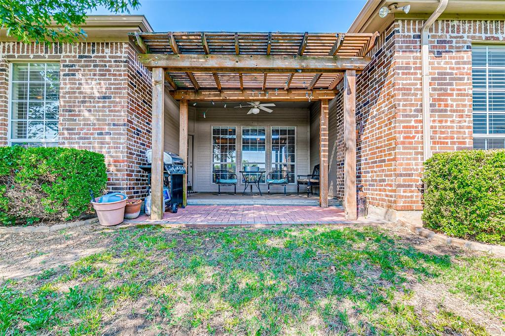 7308 Spring Oak  Drive, North Richland Hills, Texas 76182 - acquisto real estate best real estate idx dilusso marketing mike acquisto