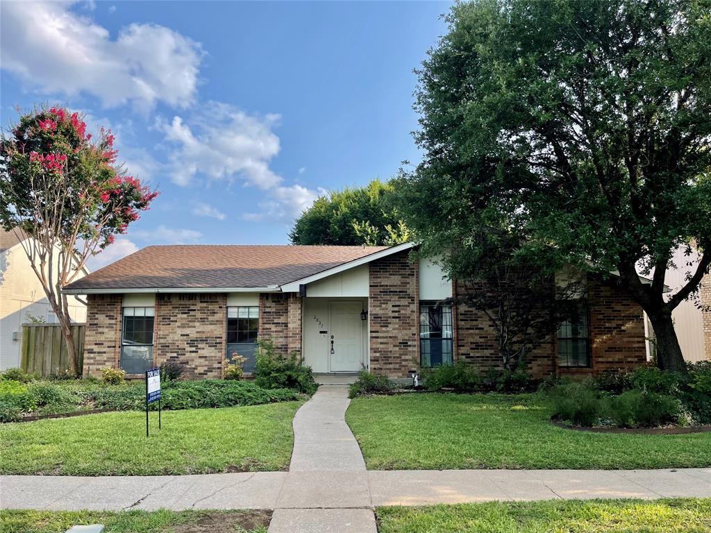 2837 Carnaby  Lane, Flower Mound, Texas 75028 - Acquisto Real Estate best frisco realtor Amy Gasperini 1031 exchange expert