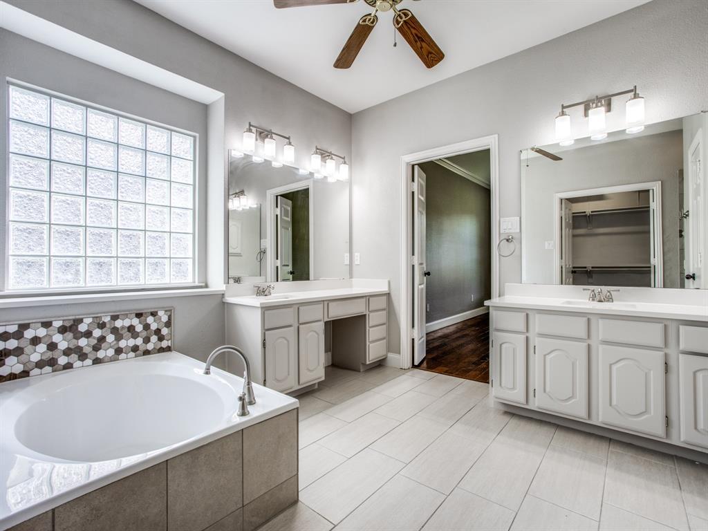 4901 Plantation  Lane, Frisco, Texas 75035 - acquisto real estate best frisco real estate broker in texas for high net worth buyers