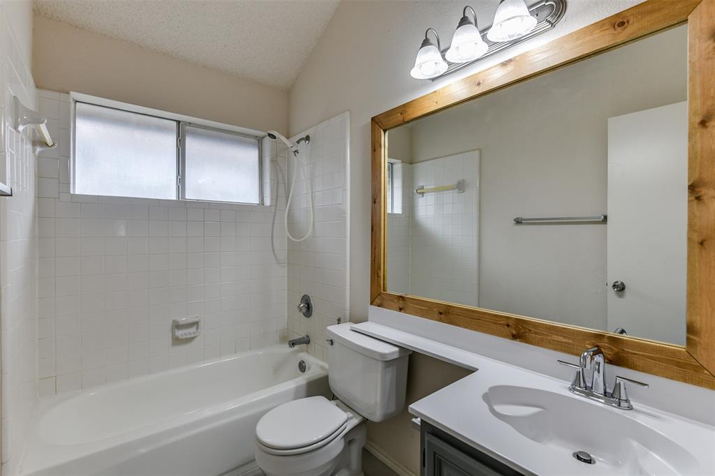 2107 Havenwood  Drive, Arlington, Texas 76018 - acquisto real estate best frisco real estate agent amy gasperini panther creek realtor