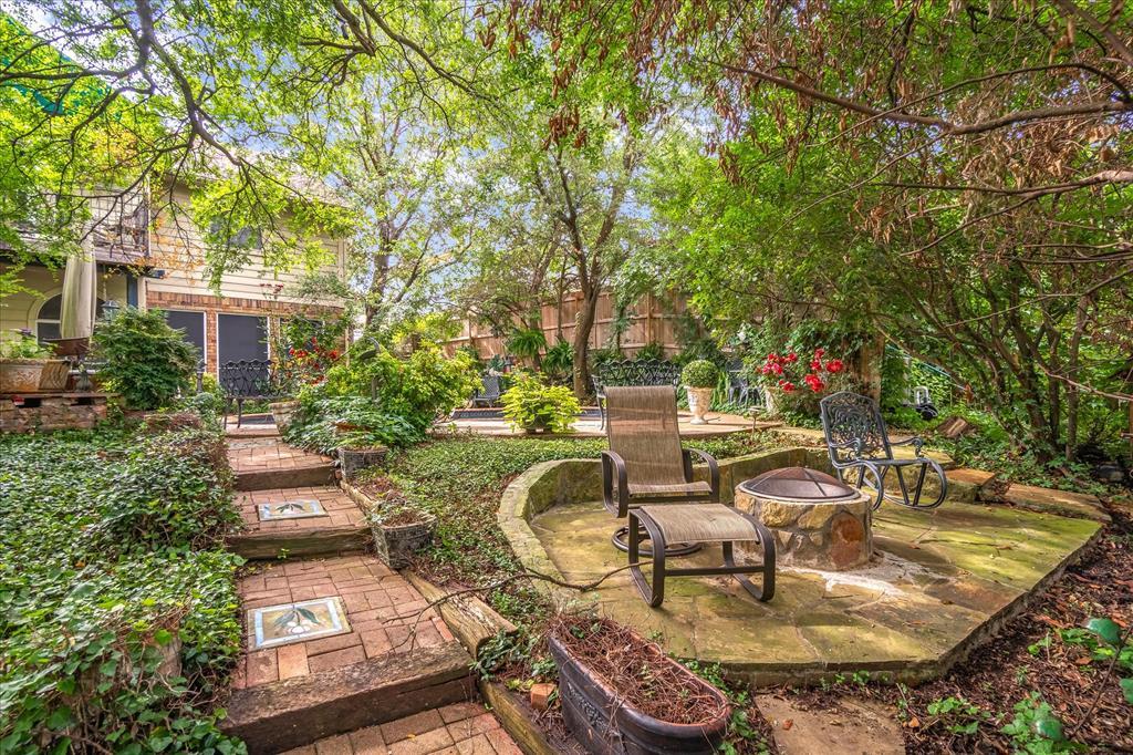 6319 Lake Bluff  Drive, Dallas, Texas 75249 - Acquisto Real Estate best frisco realtor Amy Gasperini 1031 exchange expert