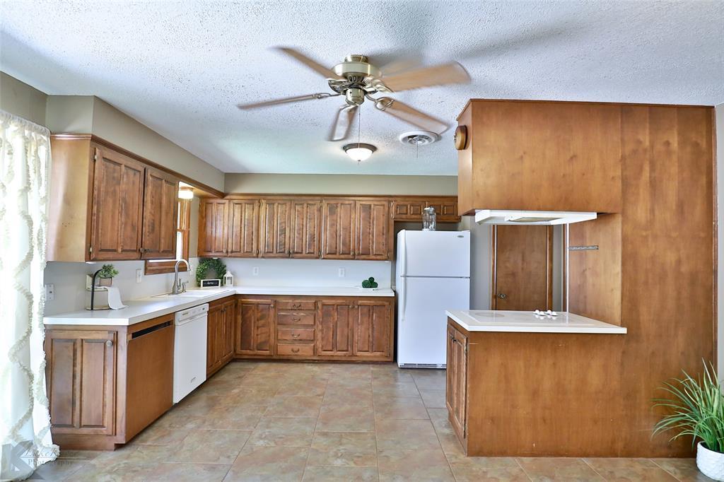 1402 Glenhaven  Drive, Abilene, Texas 79603 - acquisto real estate best new home sales realtor linda miller executor real estate
