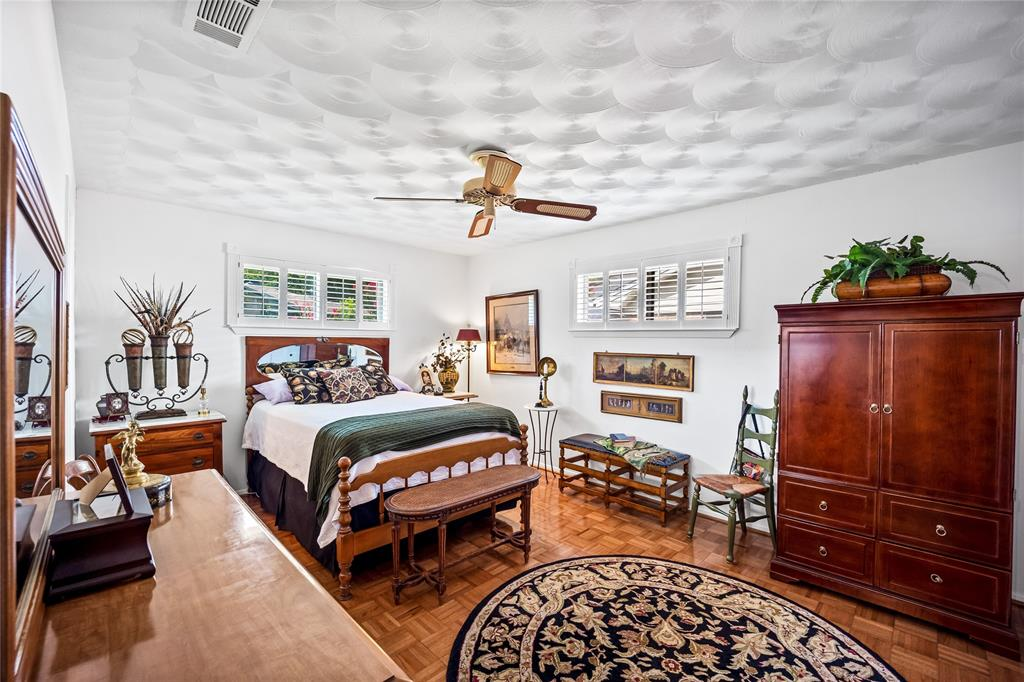 2002 Benjamin  Road, Irving, Texas 75060 - acquisto real estate best photos for luxury listings amy gasperini quick sale real estate