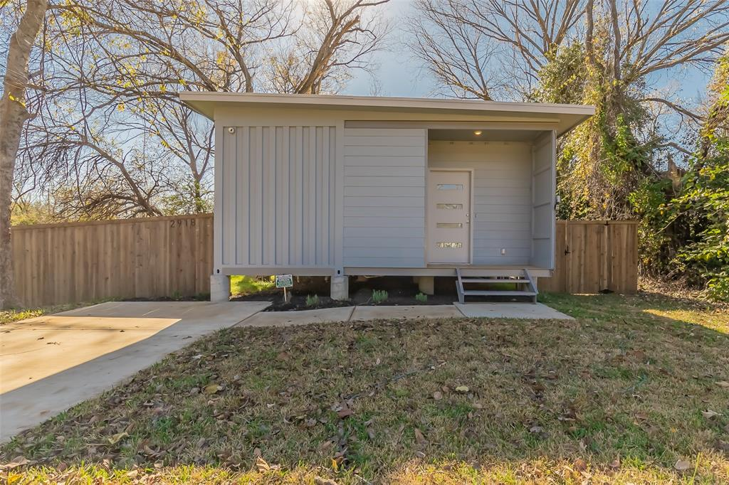 2918 Brigham  Lane, Dallas, Texas 75215 - Acquisto Real Estate best plano realtor mike Shepherd home owners association expert