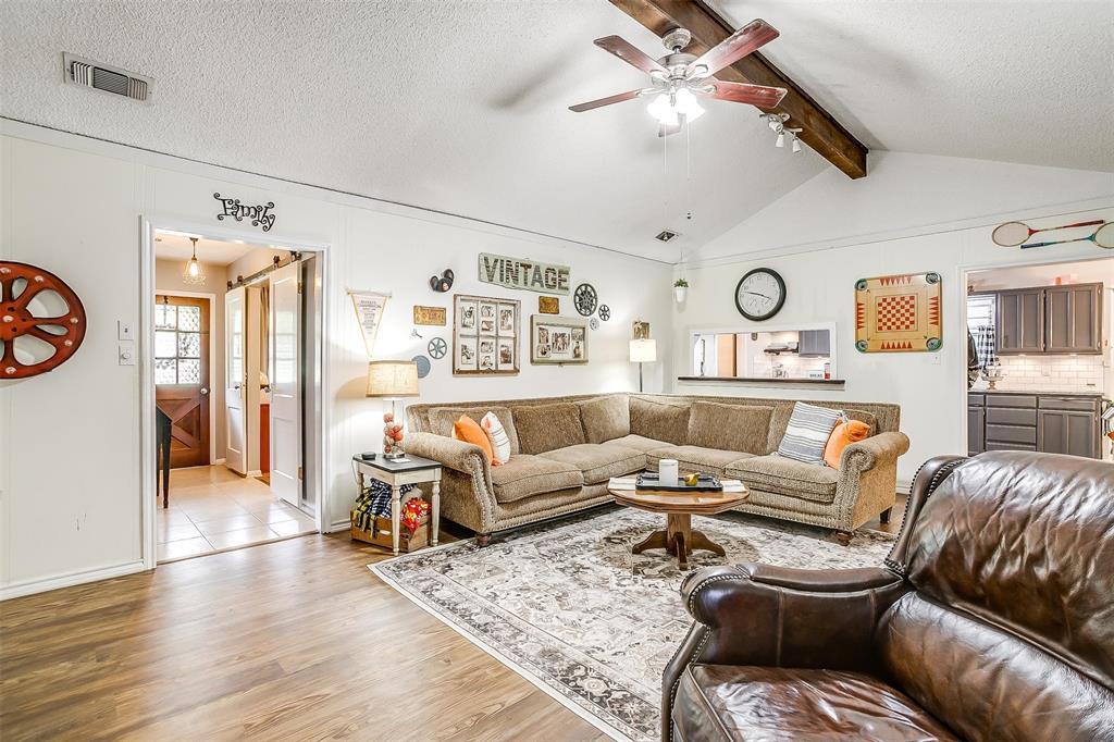 1010 Yvonne  Drive, Joshua, Texas 76058 - acquisto real estate best luxury buyers agent in texas shana acquisto inheritance realtor