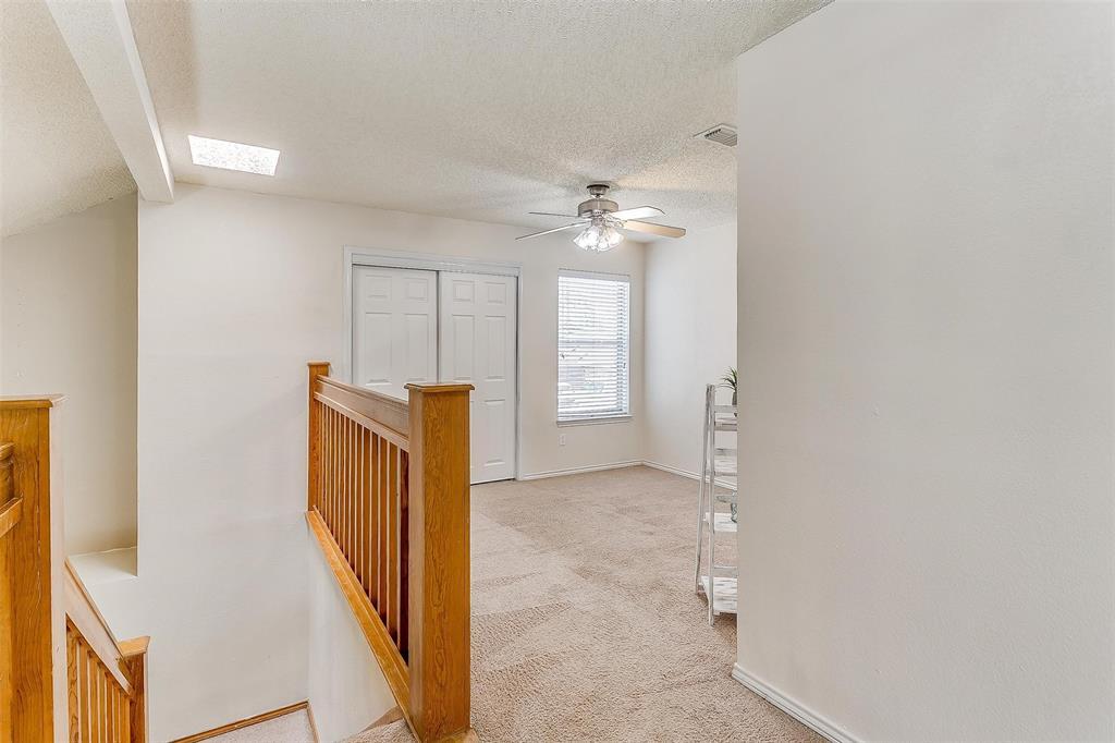 6028 Hillglen  Drive, Watauga, Texas 76148 - acquisto real estate best negotiating realtor linda miller declutter realtor